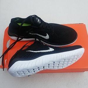 Nike free run flyknit size 8.5 women's